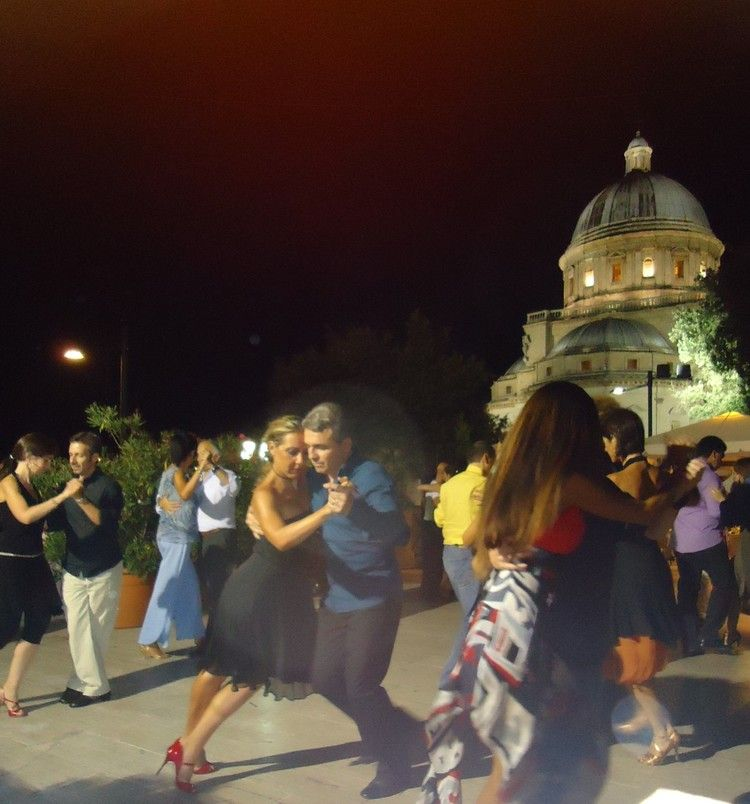 Tango Holiday With Laura Andreas In Umbria Tangopolix